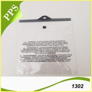 Túi PVC có móc 1302